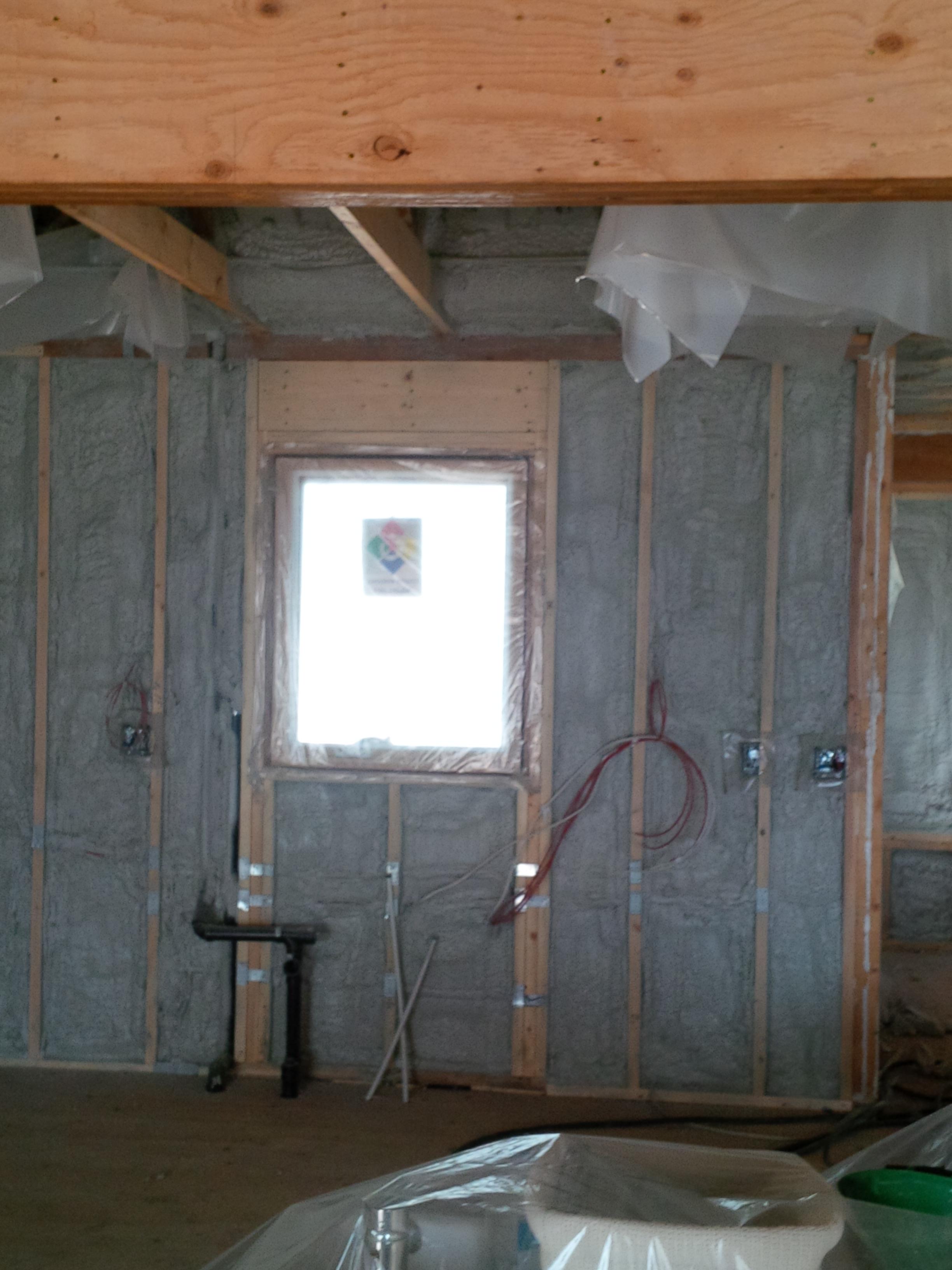 spray foam insulation 2lb